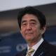 Trump után a japán miniszterelnök is kész találkozni Észak-Korea urával