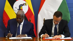 Migráció helyett a segítséget kell odavinni, ahol a baj van – magyar-ugandai megállapodás
