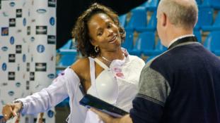 Távozik a kormányból az olimpiai vívóbajnoknő Párizsban – videó