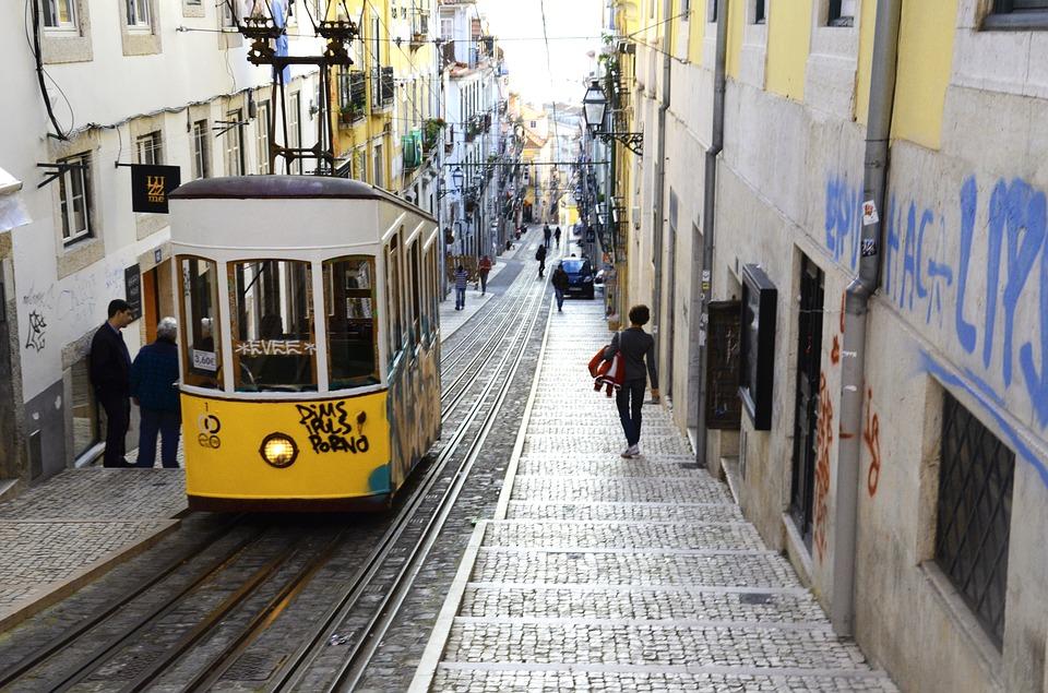 lisbon-1666082_960_720