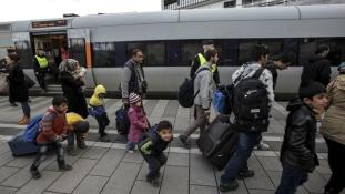 Dániában a baloldali ellenzék is keményítene migráns-ügyben