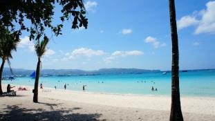 Kitakarították – Újra fogadja a turistákat a világ egyik legszebb szigete