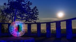Kínában mesterséges Holddal világítanák be a városokat