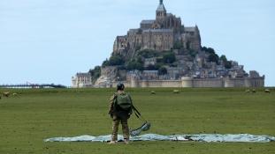 70 éves a legendás ejtőernyős ezred – videó