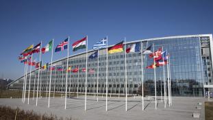 Már folyik a hidegháború vége óta legnagyobb NATO-hadgyakorlat
