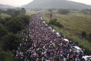 181029-migrant-caravan-2