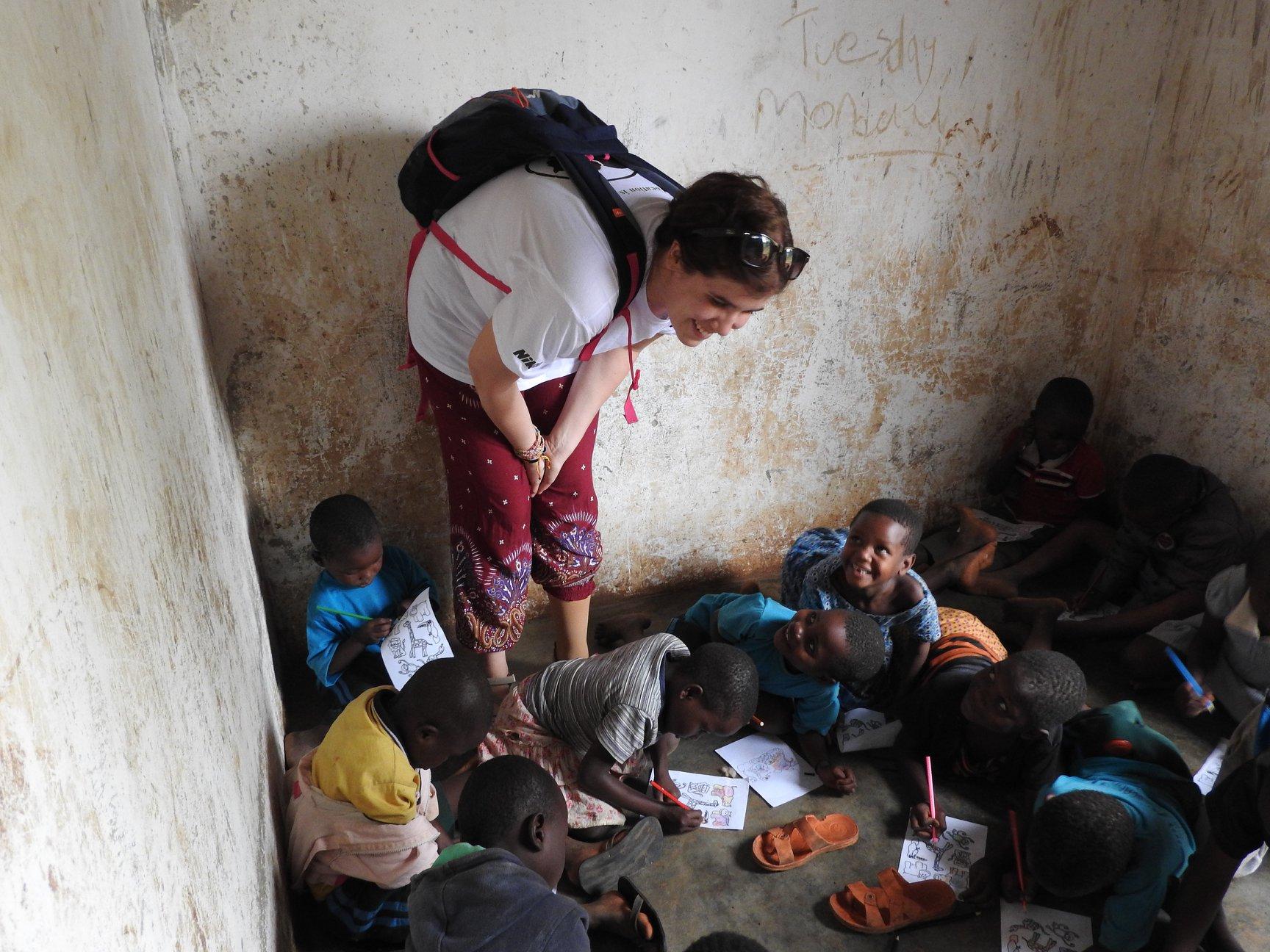 Zsófi ugandai gyerekekkel