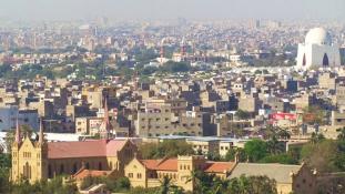 Fegyveresek rohanták meg a kínai konzulátust Karacsiban