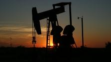 Csökkenti termelését az OPEC+, nőnek az olajárak