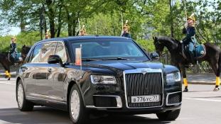 Putyin limuzinja, a kerekeken gördülő bunker – videó