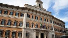 Szex a parlamenti mosdóban Rómában