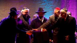 Hanuka – az államfő szerint a zsidó közösség ajándék Németországnak