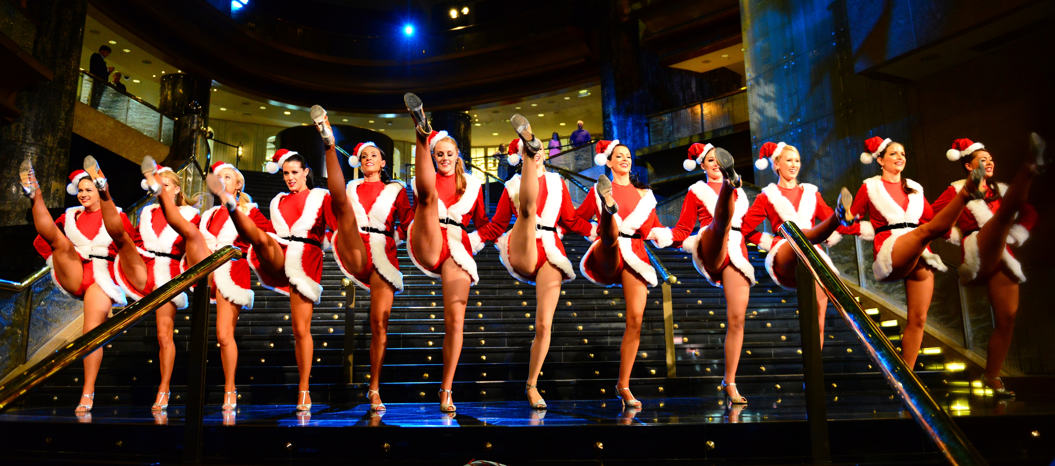 Christmas_Belles_at_Crown_-_11366677816