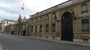 Letartóztatták a sárga mellényes vezért, aki meg akarta rohamozni az Élysée-palotát