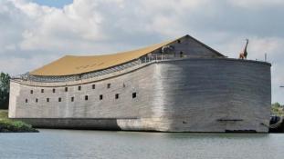 Izraelbe úszik Noé bárkája?