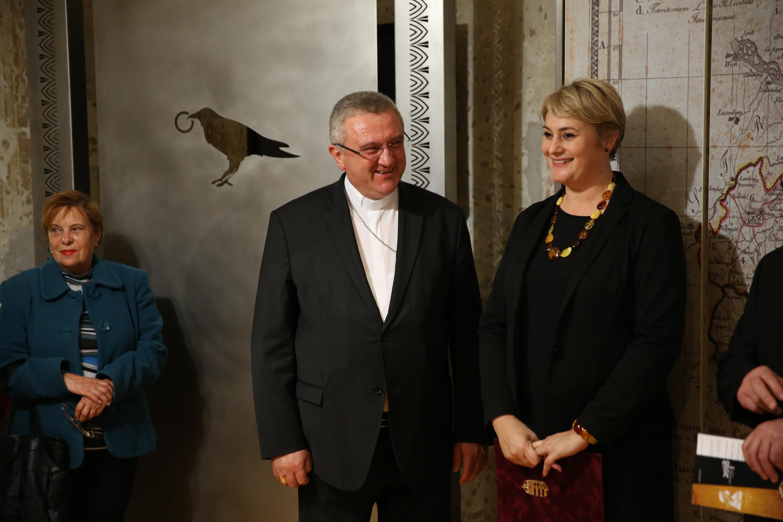 Veres András győri megyéspüspökkel a Mátyás király – Mecénás és katona c. exkluzív kiállítás megnyitóján