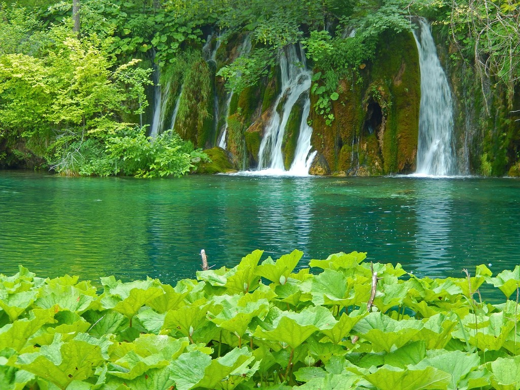 plitvice-lakes-national-park-croatia-nature-landscapes-5a88de-1024
