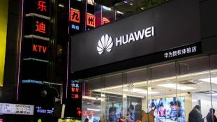 Amerika nyíltan megvádolta a Huawei-t, mely élre tört a G5 technológiában