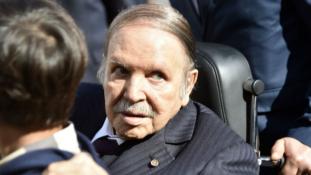 Tüntetések az újrajelölt elnök ellen Algériában
