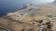 10 milliárd dolláros olajfinomítót épít Szaúd-Arábia Pakisztánban