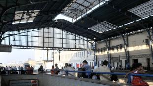 Halálos tűz a Ramszesz-pályaudvaron