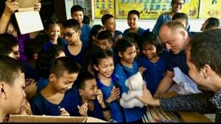 Magyar ajándékok thaiföldi iskolásoknak