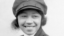 Ő volt a világ első fekete pilótanője