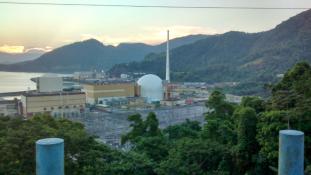 Nukleáris fűtőelemeket szállító konvojra nyitottak tüzet Brazíliában