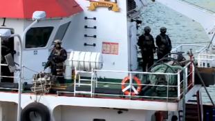 Visszafoglalta a máltai hadsereg az eltérített tankert a migránsoktól
