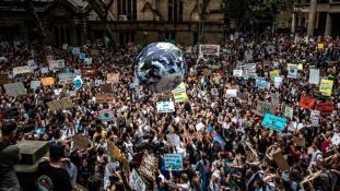 Iskola helyett: a Föld 123 országában tartottak ma klímatüntetést a diákok