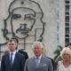 Kubában ír történelmet Károly és Kamilla