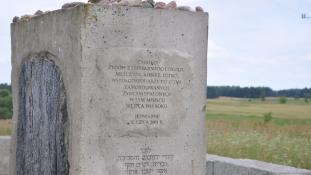 A főrabbi bírálja a kormányfőt, aki exhumálni akarja a holokauszt áldozatait