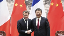 Óriási európai-kínai repülőgép üzlet: 300 Airbust rendel az állami légitársaság
