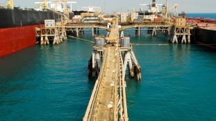 Hamis iraki papírok segítségével játssza ki Irán az amerikai olajembargót?
