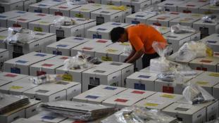 Túlhajszoltak – 272 halott az indonéz választásokon