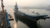 Próbajáraton Kína első saját gyártású repülőgép-anyahajója – videó