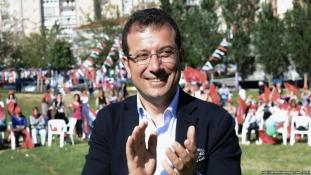 Isztambul új polgármestere másképp csinálja, mint elődei