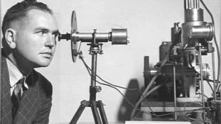 Kém volt-e az ausztrál magfizikus, aki részt vett az amerikai atomprogramban?