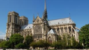 Ötcsillagos tábornok vezényli a Notre-Dame újjáépítését