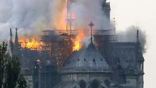 A tűzoltók győztek Párizsban – újjáépítik a Notre-Dame-ot