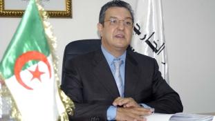 Korrupcióért bíróság előtt Algéria egykori pénzügyminisztere és rendőrfőnöke