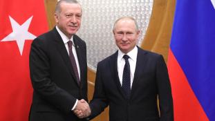 Erdogan dacol Amerikával: újabb orosz rakétavédelmi rendszert akar vásárolni
