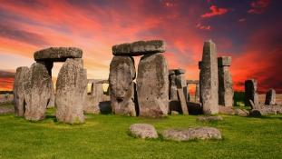 60 év után került meg a Stonehenge hiányzó darabja