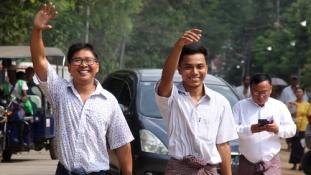 Amnesztiával szabadult a Reuters újságírópárosa Mianmarban