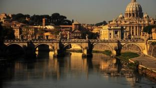 Hárommilliárd eurós Damoklész-kard Itália fölött