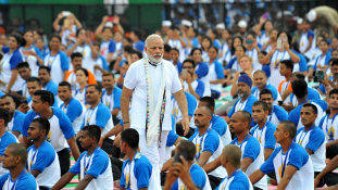 Modi miniszterelnök maga is reklámozza a nemzetközi jóganapot – videó