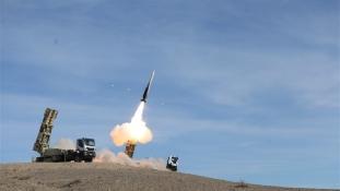 Irán saját gyártású rakétákkal akarja védeni légterét – videó