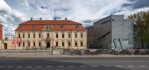 800px-Berlin_Jüdisches_Museum_und_der_Libeskind-Bau