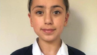 Einsteint és Hawkingot is veri IQ-tesztben egy 11 éves iráni lány