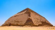Új piramist nyitnak meg a közönségnek Egyiptomban